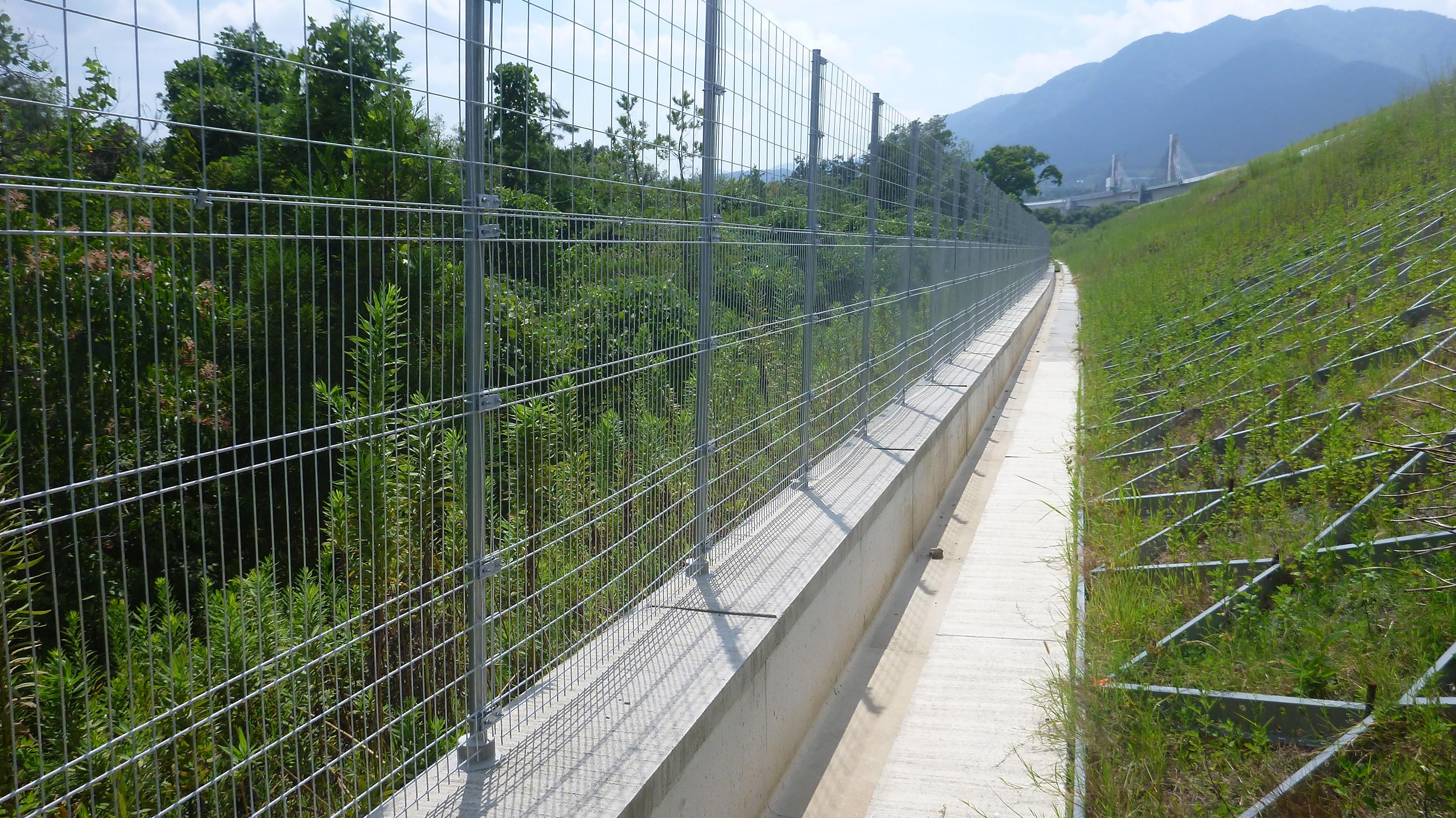 動物侵入対策型立入防止柵